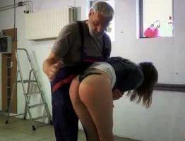 porno incesto filha apanha